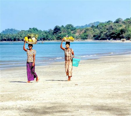 2D10783794-ngapali-beach-women